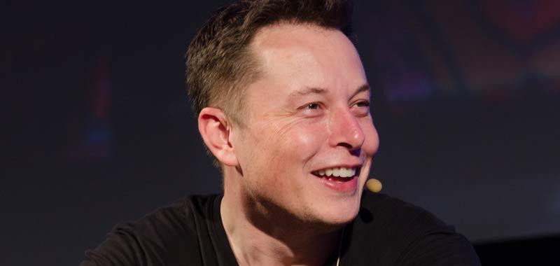 Riceve il vecchio numero di Elon Musk succede incredibile
