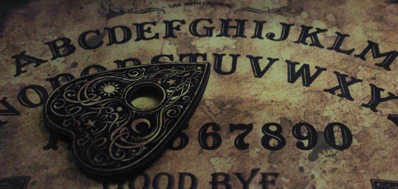 Usa la tavola Ouija ma poi qualcosa va storto