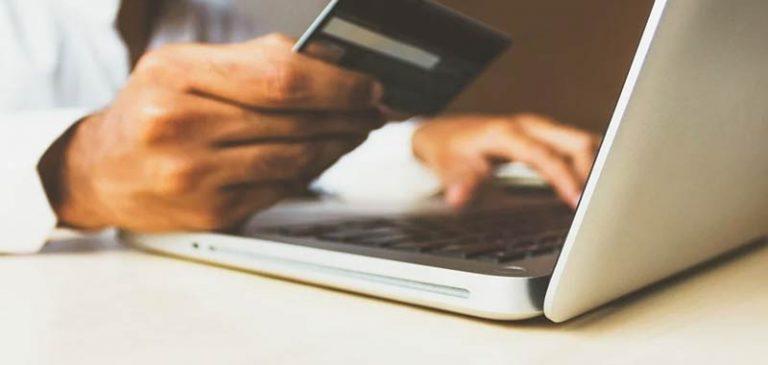 Acquisti online, non sbagliare a cliccare la conferma di pagamento