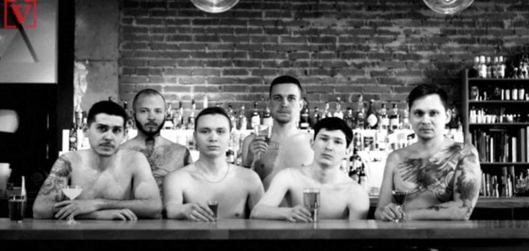 Chef russi si spogliano per protesta contro il lockdown