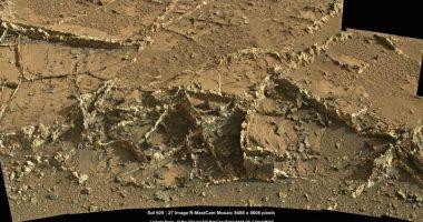 Ci sono veramente antichi edifici alieni su Marte