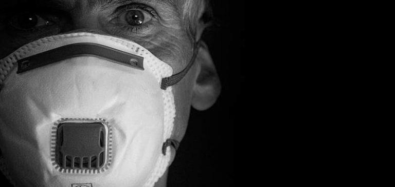 Lombardia, mascherine obbligatorie fino a fine mese