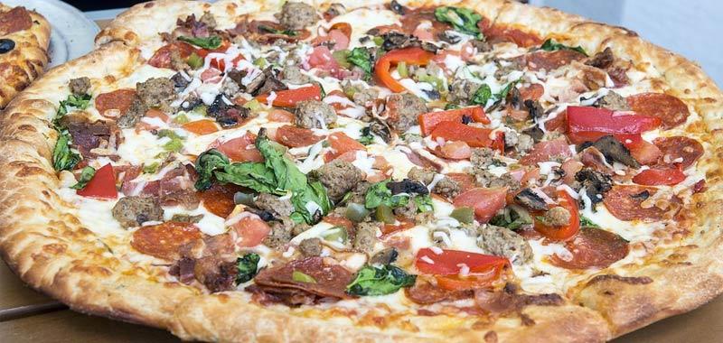 Per dieci anni continuano ad arrivare pizze a domicilio incredibile storia