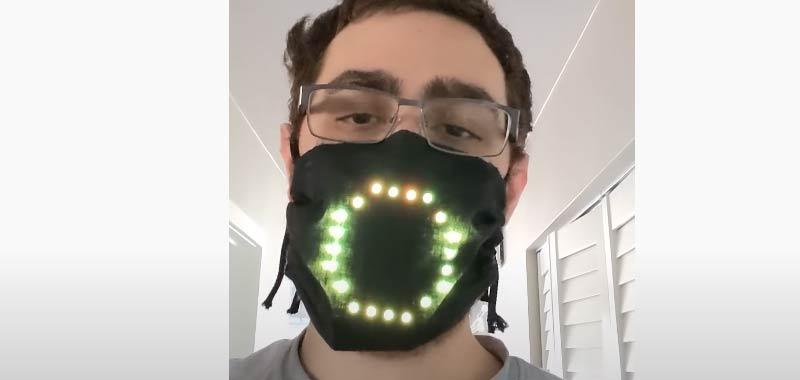 Programma una mascherina con bocca a led mobile