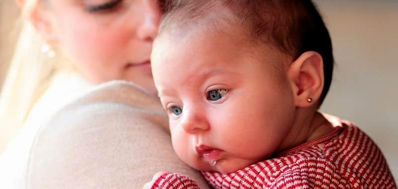 Assume un investigatore privato per controllare la baby sitter