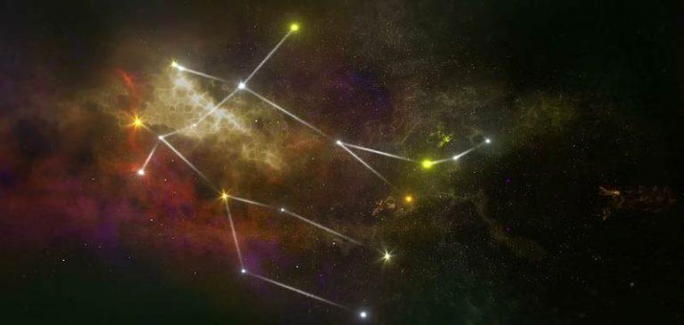 Condivide un oroscopo del 1979 e diventa virale