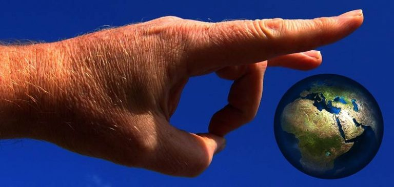 Dipendente della Nasa conferma: La terra è piatta