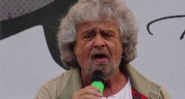 Beppe Grillo si schiera con Virginia Raggi
