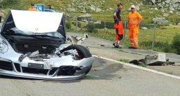 Bugatti Mercedes e Porsche causano incidente da 4 milioni di euroi