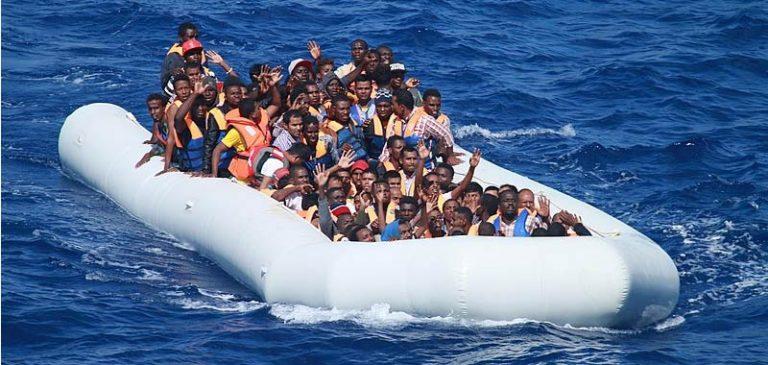 Conte, pugno duro contro i migranti
