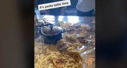 Mostra una tavola piena di pasta scatta quasi una rivolta sul web