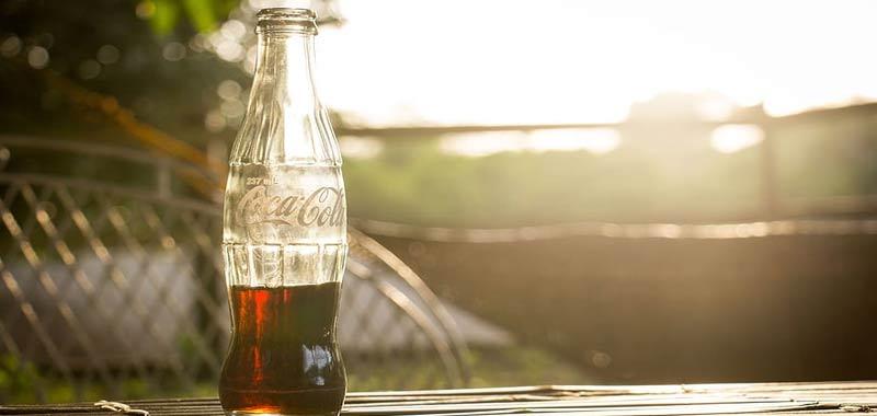 Ordinano due coca cola pagano 10 euro per tassa covid