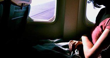 Partorisce in volo figlio volera gratis a vita