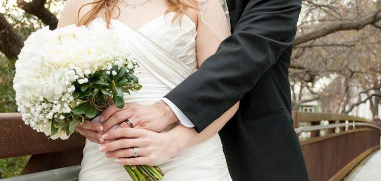 Annuncio matrimoniale: Cerco sposa non dipendente dai social