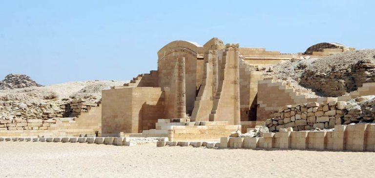 Egitto: Straordinaria scoperta di 59 sarcofagi intatti