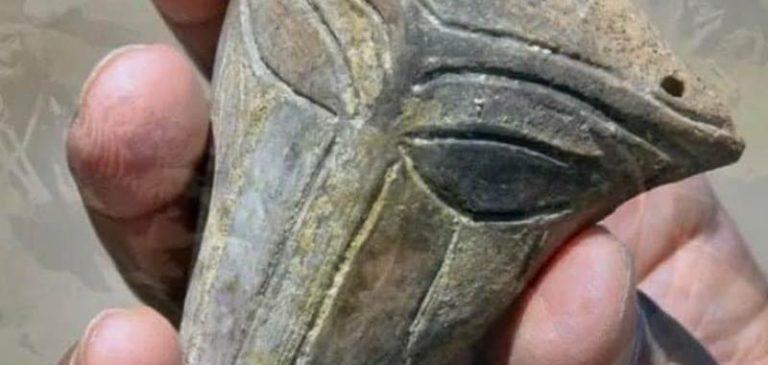 Antico manufatto dal volto alieno ritrovato in Bulgaria