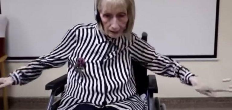 Ex ballerina con Alzheimer ricorda i passi di danza, il video diventa virale