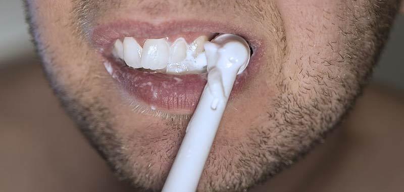 Perdita di denti effetto a lungo termine del coronavirus
