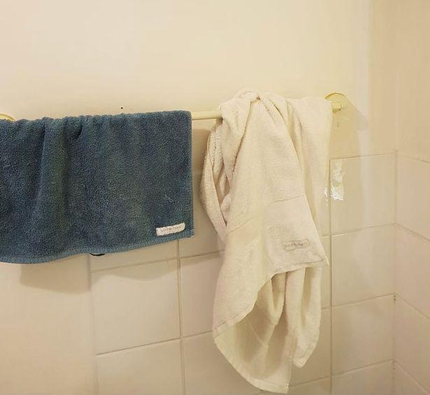 immagine de asciugamano in bagno