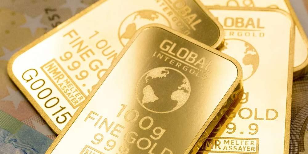 Addetti alle pulizie trovano lingotti oro nelle fogne