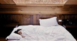 Apnea notturna lo strano sintomo del disturbo del sonno
