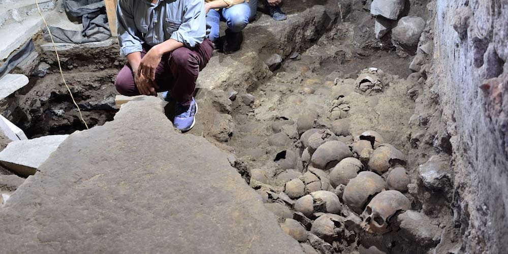 Messico ritrovata una torre fatta di teschi umani