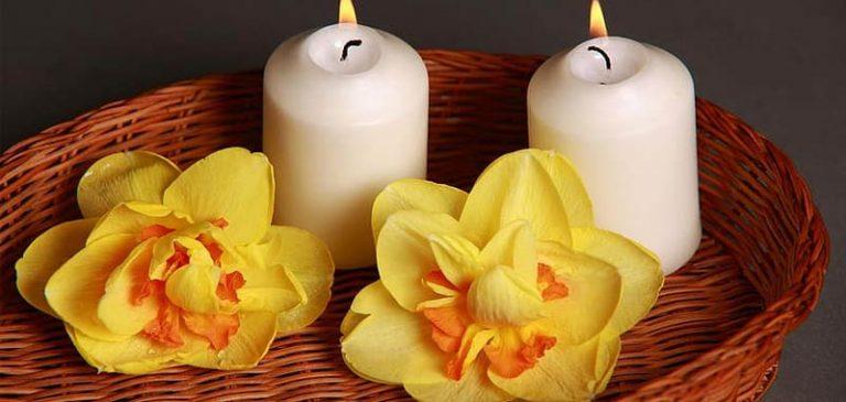 Per Natale vendono una candela che odora di sedere