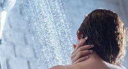 Prova un nuovo shampoo e diventa sorda per sempre