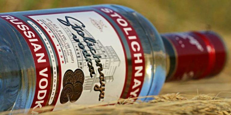 Russia polemiche: niente alcol con il vaccino coronavirus