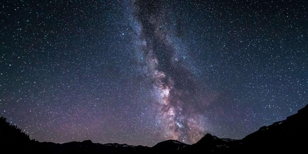 Astronomi rivelano un sistema di stelle eclissanti
