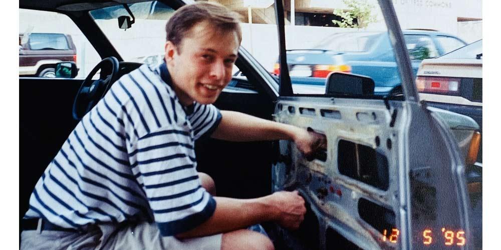 Elon Musk non aveva i soldi per riparare la sua auto