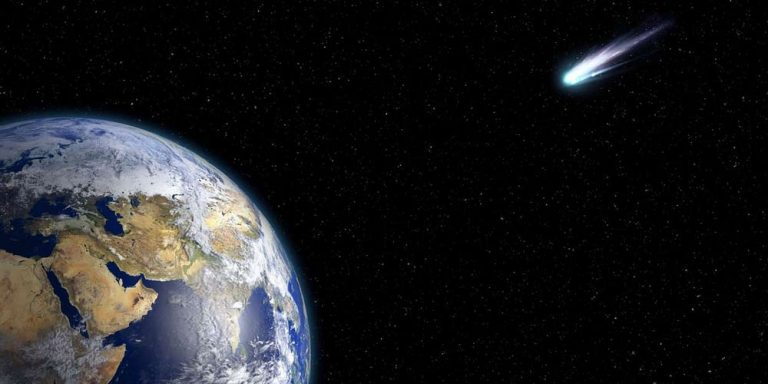 La cometa più luminosa in assoluto si sta avvicinando alla Terra