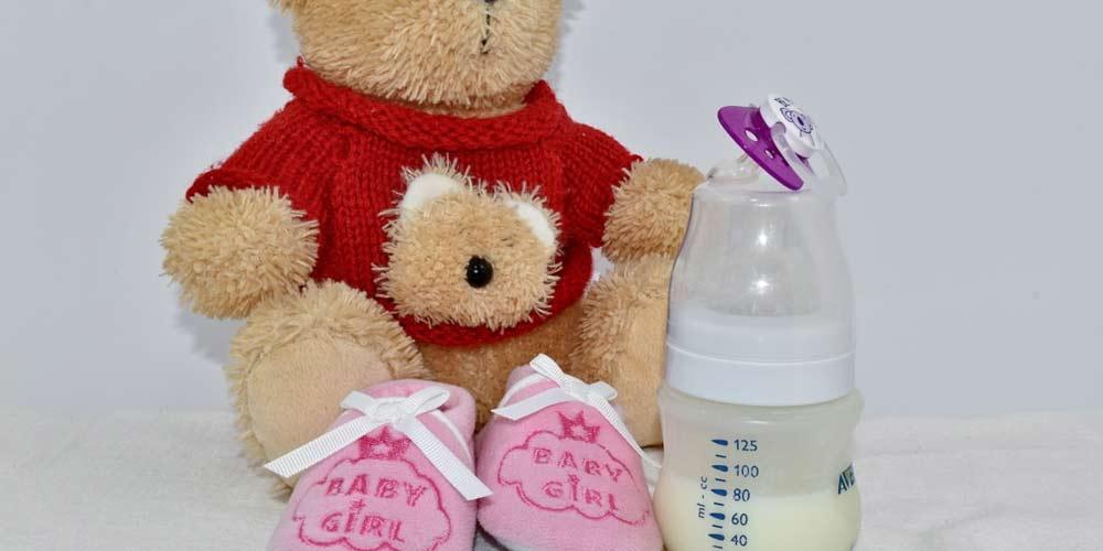 Mamma rivela Segreto anti ete siringhe di latte materno