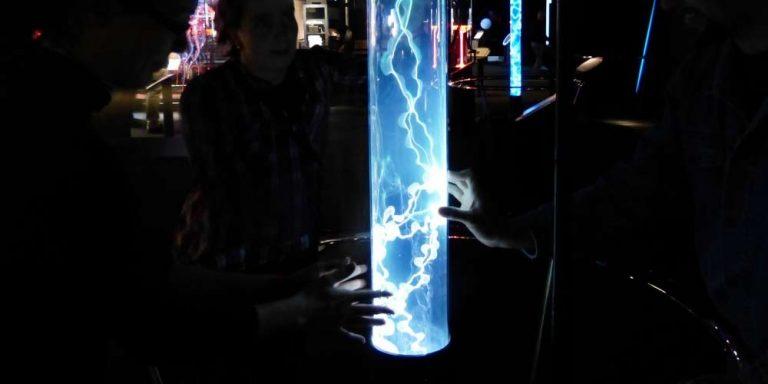 Nikola Tesla e le teorie del contatto con gli alieni