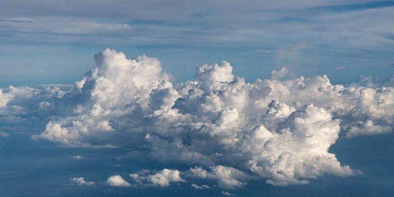 Nuvole arcobaleno sulla Cina, c'è dietro il governo?