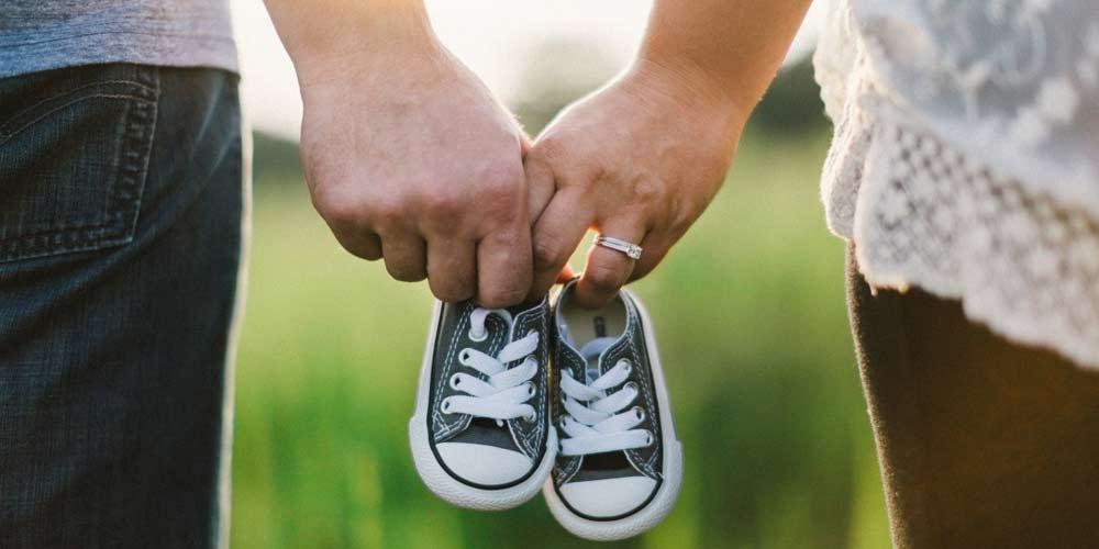 Si rifiuta di firmare il certificato di nascita dopo aver scoperto il nome del figlio