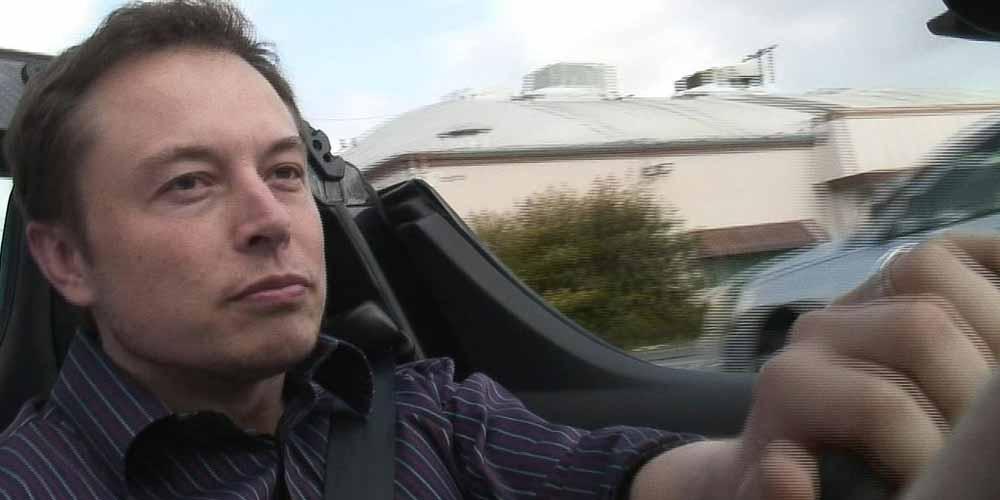 Elon Musk risponde ad un tweet Sono un alieno