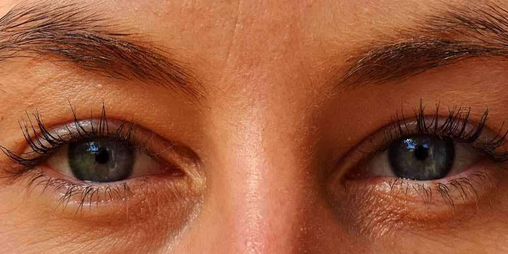 Francia Coronavirus causa di noduli negli occhi