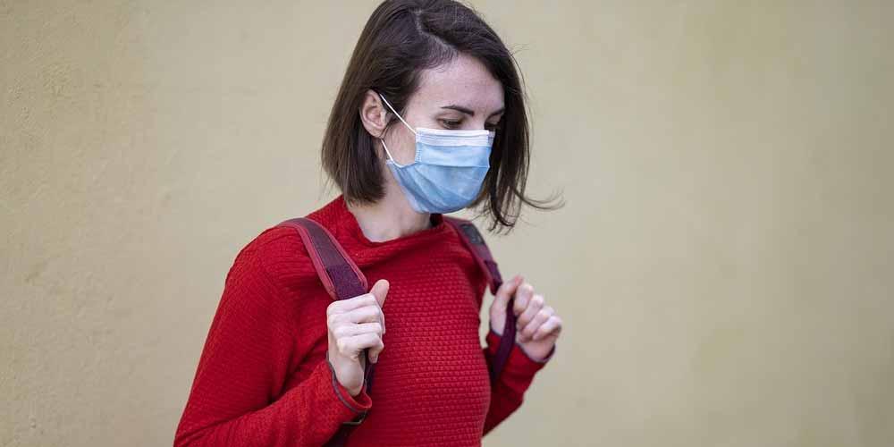 Gli effetti collaterali delle mascherine sono molti
