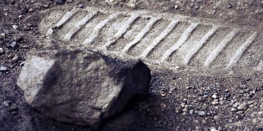La sonda cinese scopre una strana roccia sulla Luna