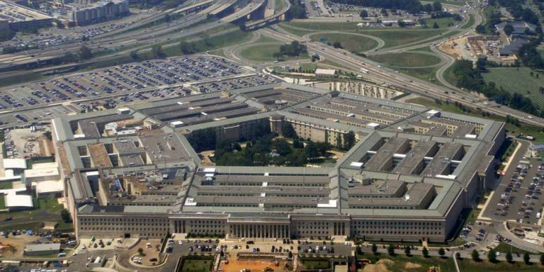 Pentagono rivela: 22 miliardi spesi per studiare gli UFO