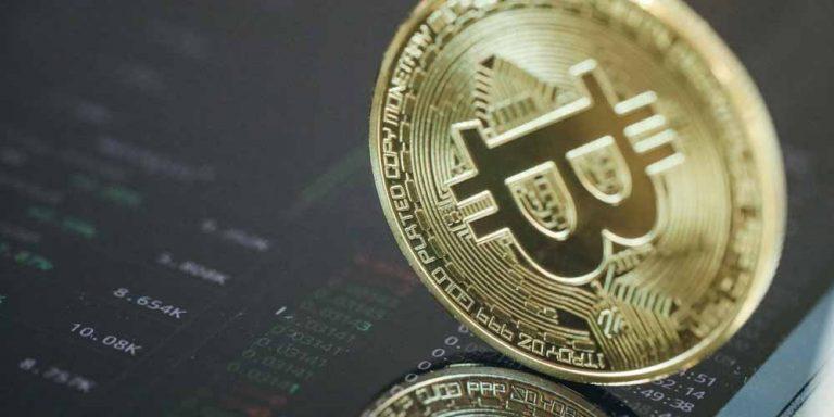 Bitcoin, risale e per molti continueranno gli investimenti