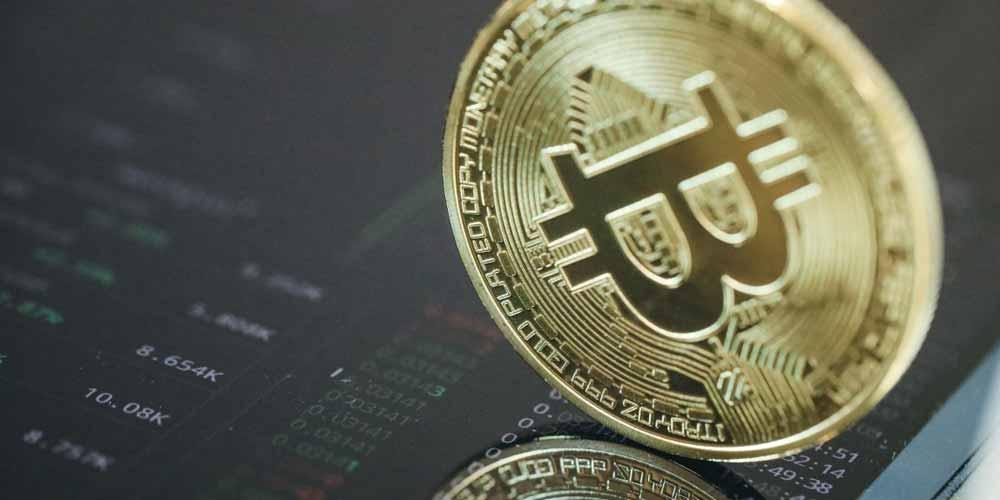 Bitcoin risale e per molti continueranno gli investiment
