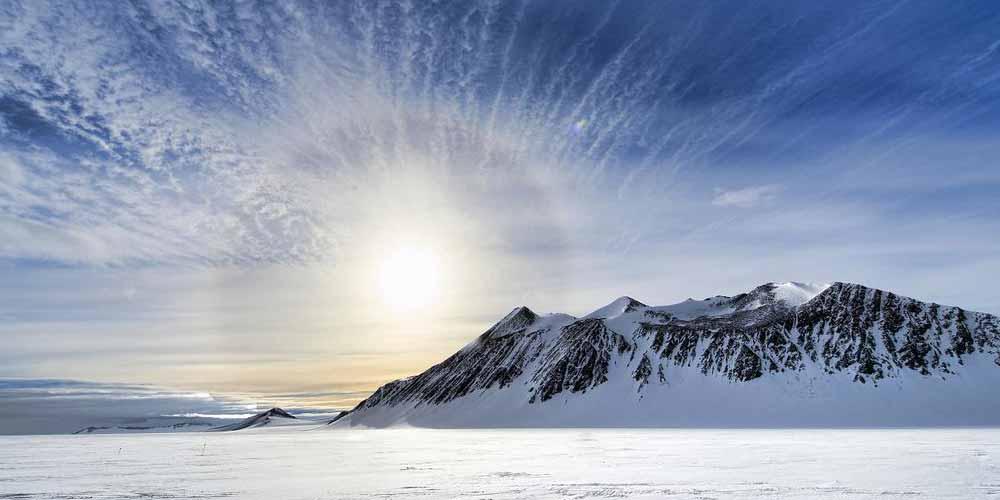 Cosa ce dietro gli strani crateri ne Artico
