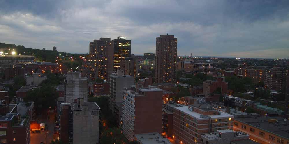 Montreal si sveglia con delle misteriosi esplosioni nel cielo