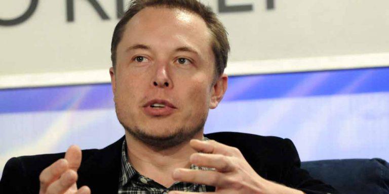 Musk nega: Le auto Testla non spiano la Cina