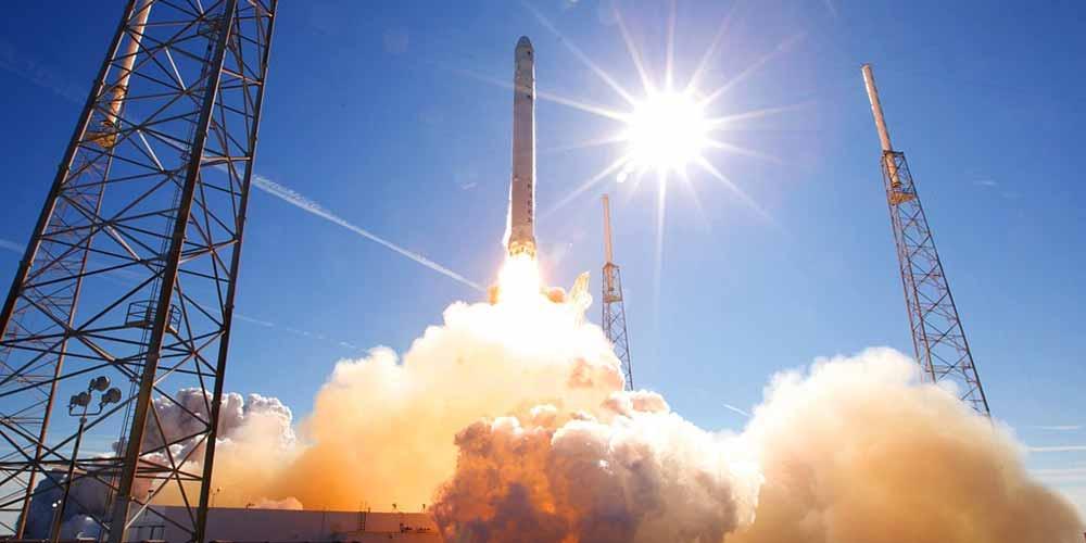 SpaceX Missione perfetta il Falcon 9 torna sulla Terra