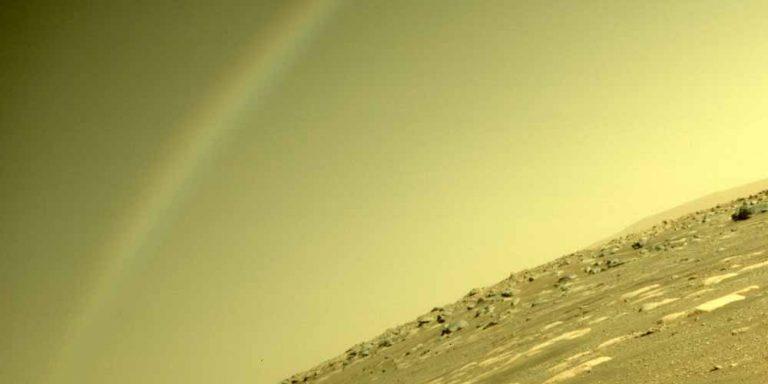 Arcobaleno su Marte, la Nasa spiega ma il web non ci crede