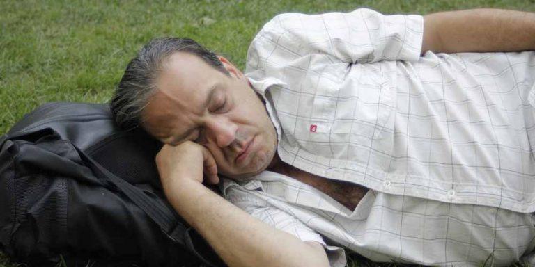 Dormire sei ore a notte è a rischio demenza