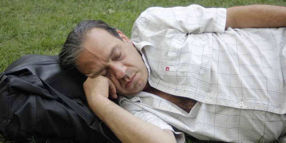 Dormire sei ore a notte rischio demenza